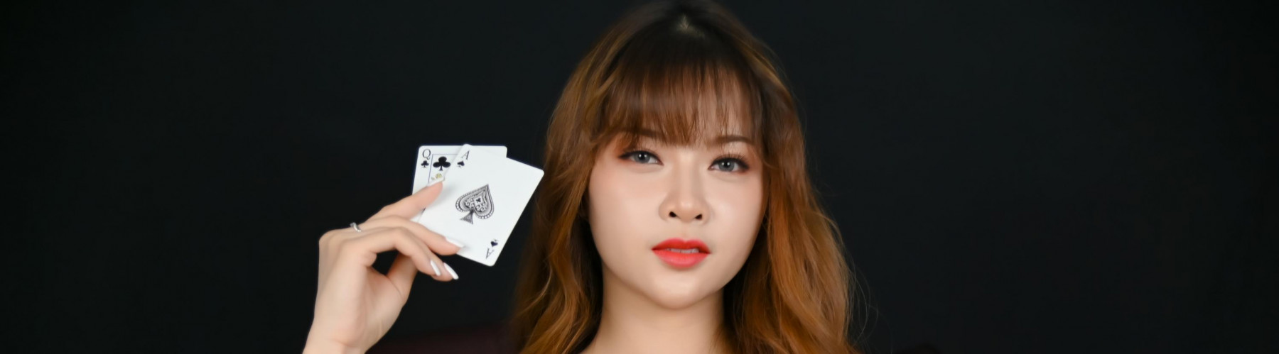 Can you learn to read people in online poker?